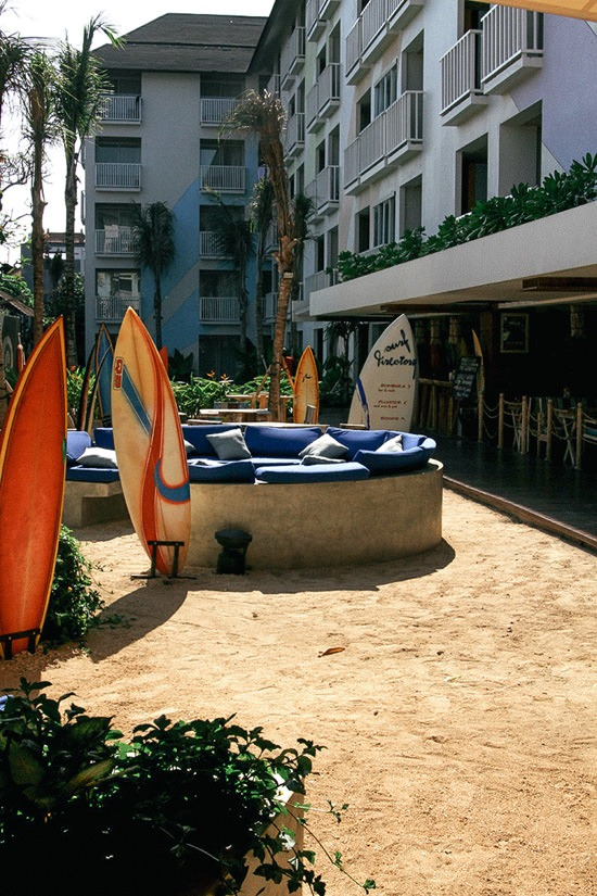 bliss wayan floater sand lounge