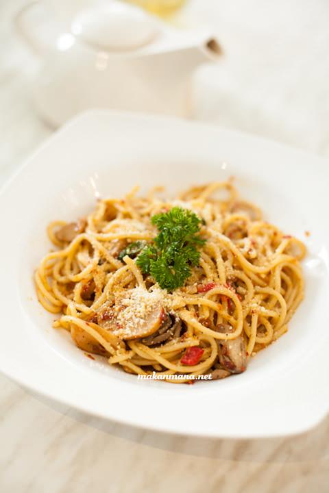Spaghetti Aglio Olio - IDR 33,5