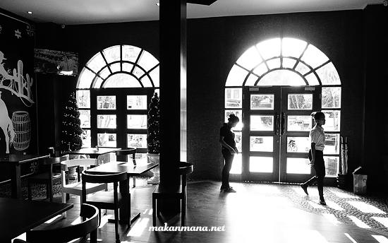 Interior M avenue Multatuli