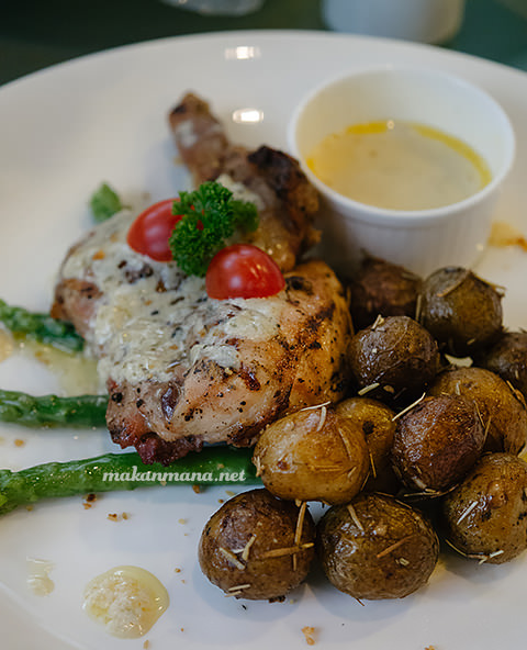 Spring chicken with Walnut Sauce (80rb)