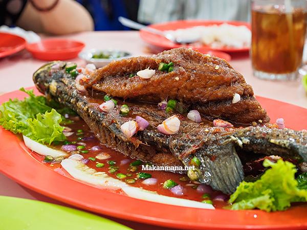 ikan goreng saos thai (120rb)