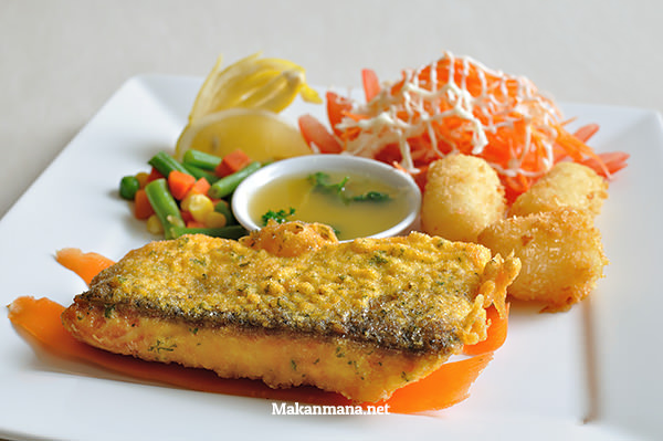 Fish & Chip Salmon (69,7rb)