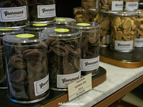 chocolate shop in medan