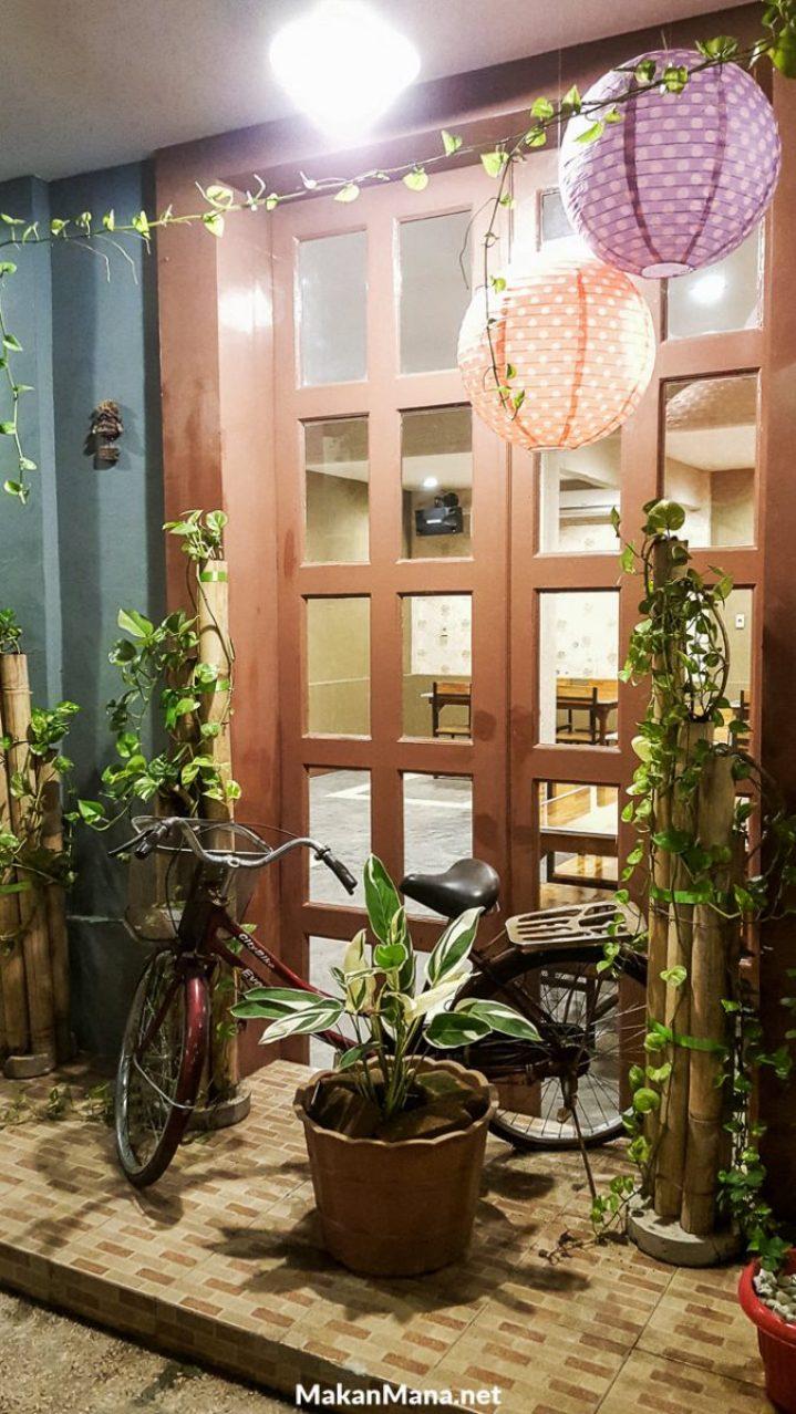Bamboe Hijau Dining Area