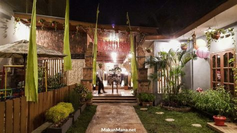 Bamboe Hijau Outdoor Dining Area