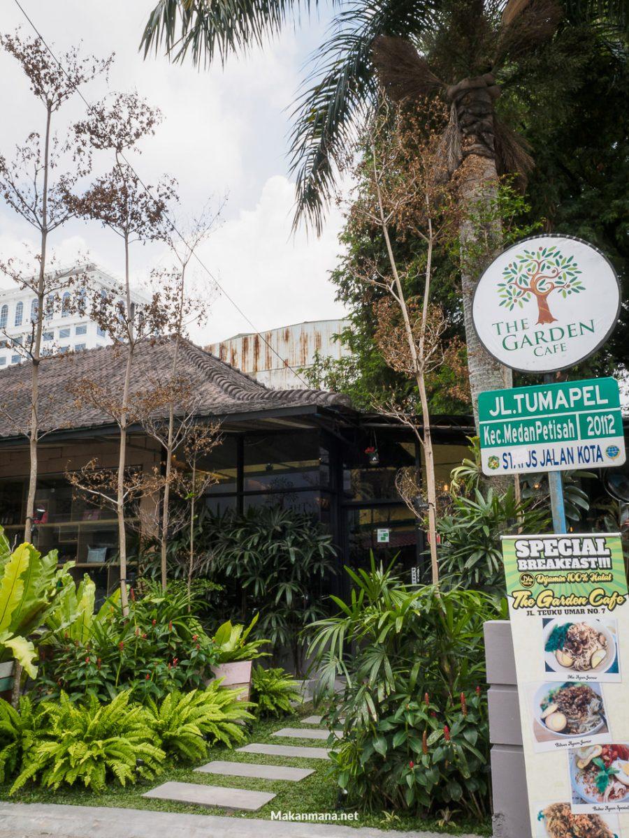 the garden cafe teuku umar