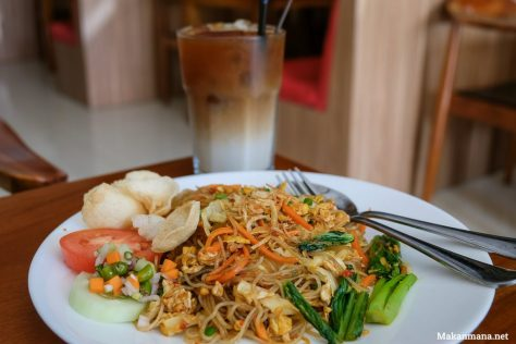 Bihun Goreng Griya Coffee Shop