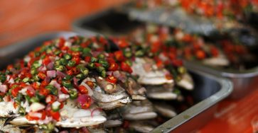 Video: Warung Kak Yus, Ikan acarnya best! 34