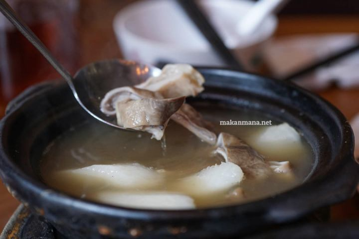 Sup Perut Babi Lada Putih / Singapore Bak Kut Teh