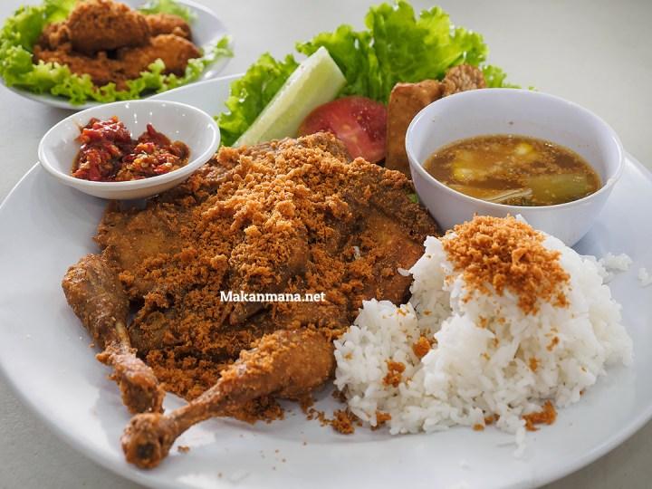 Ayam Goreng Karawaci, Dari Jawa ke Medan 1