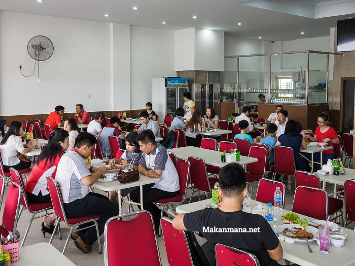 Ayam Goreng Karawaci, Dari Jawa ke Medan 7