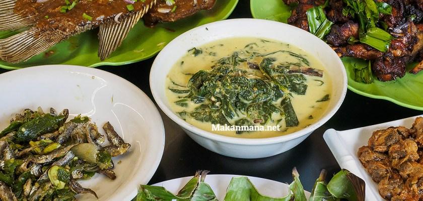 Masakan khas Nusantara di Resto Pohon Pisang 1