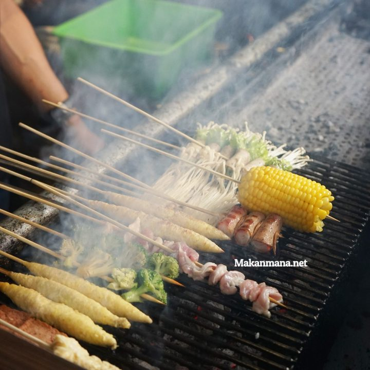 SHAO KAO - The popular Chinese skewers street food in China 11