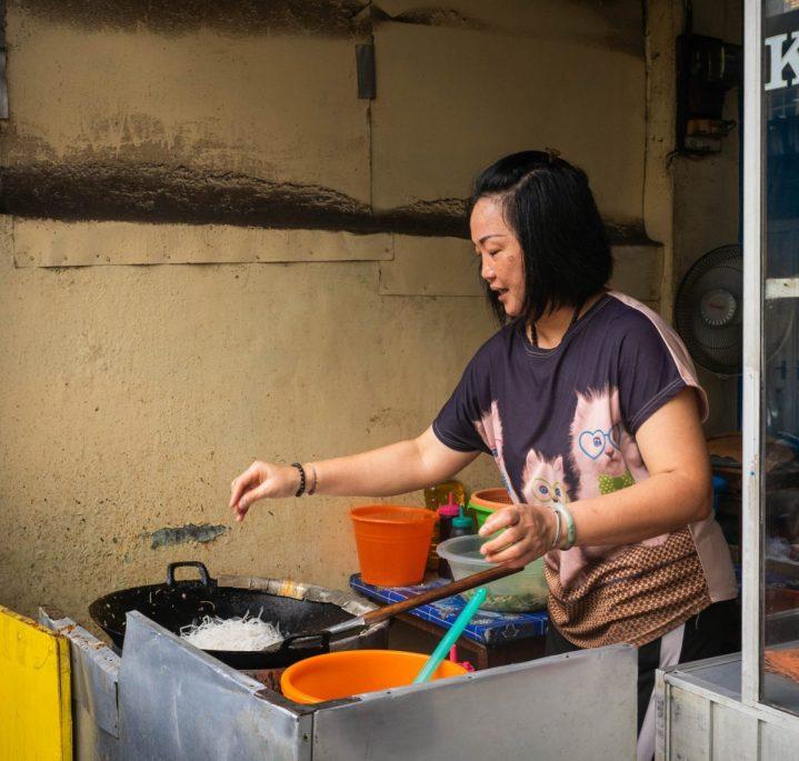 Istri Vs Suami—Siapa Jagoanmu di Kwetiau Akok? 4