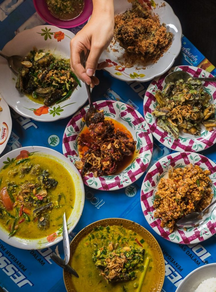 warung belut mbak sherly halal