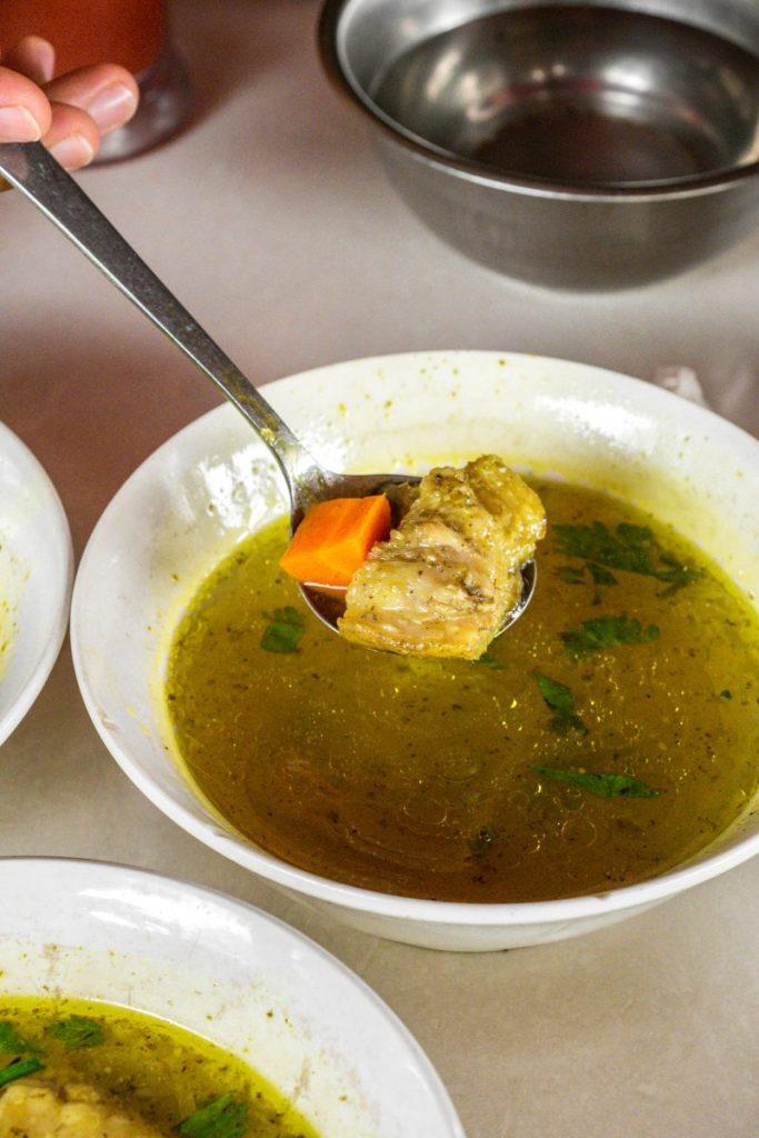 Pondok Makan Sitalolo - Ternyata Begini Kuliner Tepi Danau Khas Batak! 14