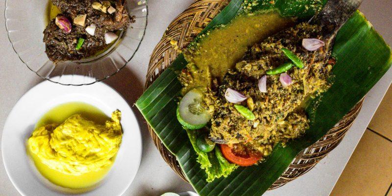 Pondok Makan Sitalolo - Ternyata Begini Kuliner Tepi Danau Khas Batak! 1