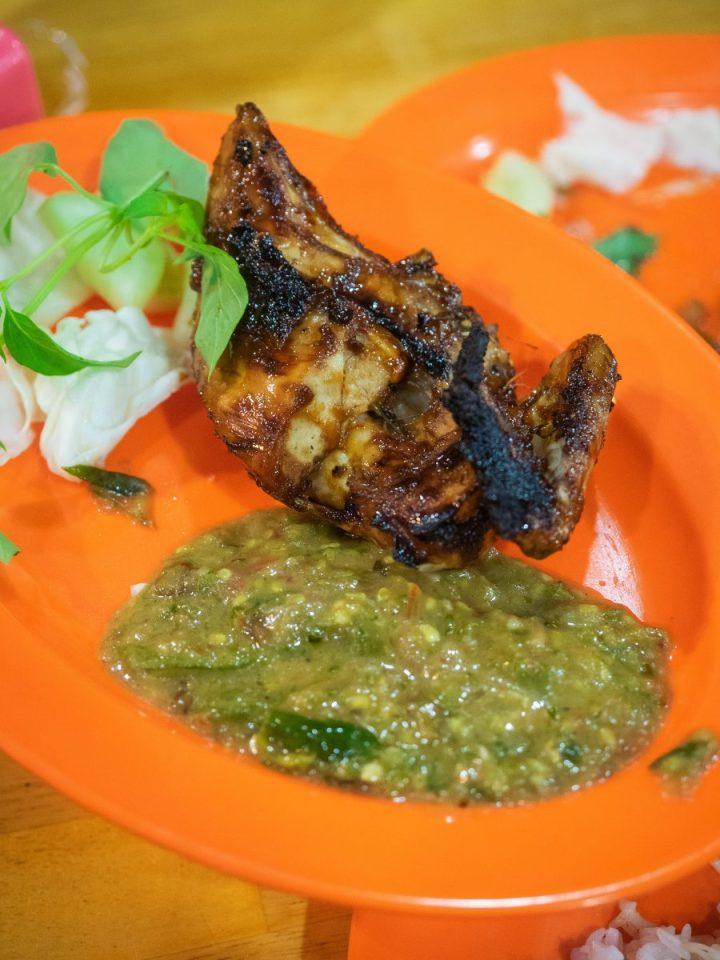 Ayam Pecak Joko Moro - Pedasnya Endes! 11