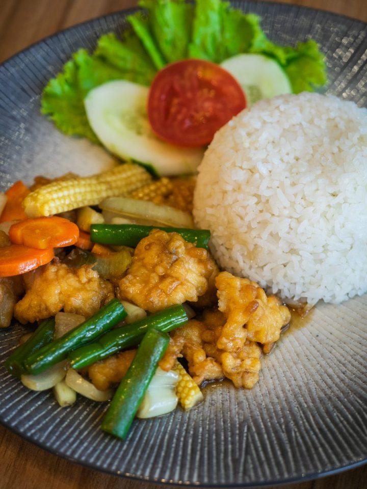 Nikmatnya 5 Kuliner Khas Thailand di Gang Aroy 14