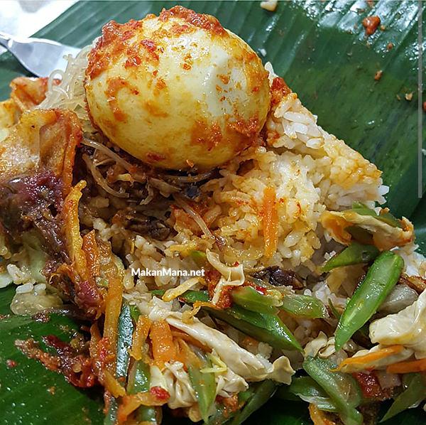 Ini Dia 10 Nasi Gurih Pilihan Makanmana Buat Sarapan Murah Meriah & Enak di Medan! 19