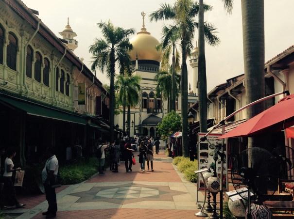 まかさんぽ シンガポールの熱い昼