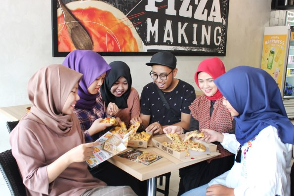Pizza Hut Delivery - Makassar kuliner