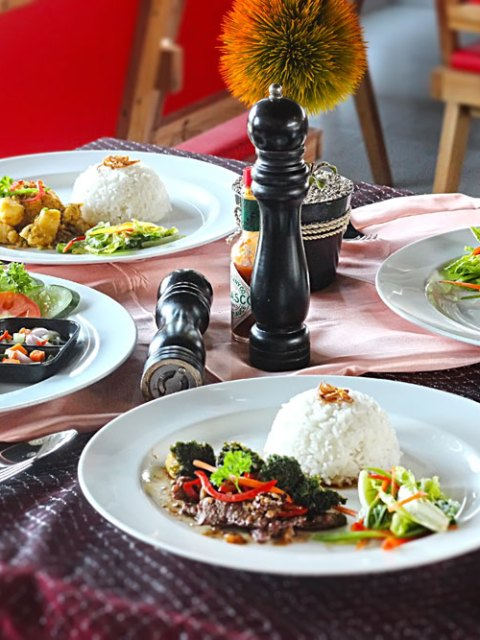 demeat steak house rice platter - makassar kuliner