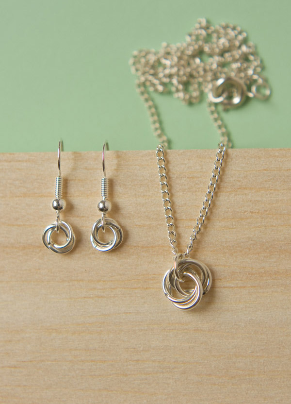 mobius knot jewellery diy-3