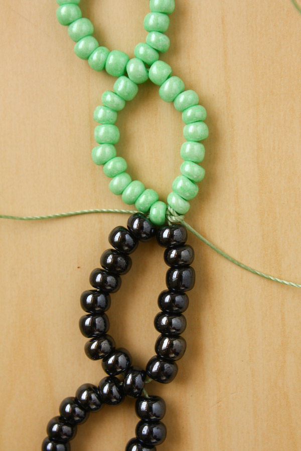 How to make a seed bead necklace DIY Tutorial