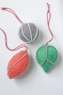 Needle Felted Christmas Decoration DIY Tutorial