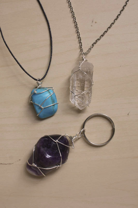 Wire Wrapping a Stone - Netting DIY tutorial by Make and Fable