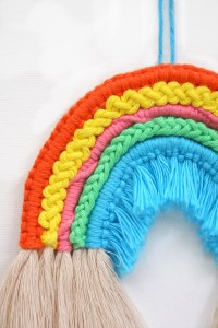 Macrame Rope Rainbow pattern DIY tutorial by Make and Fable