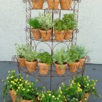 Recognize this faux tiered herb garden from HIMYM?