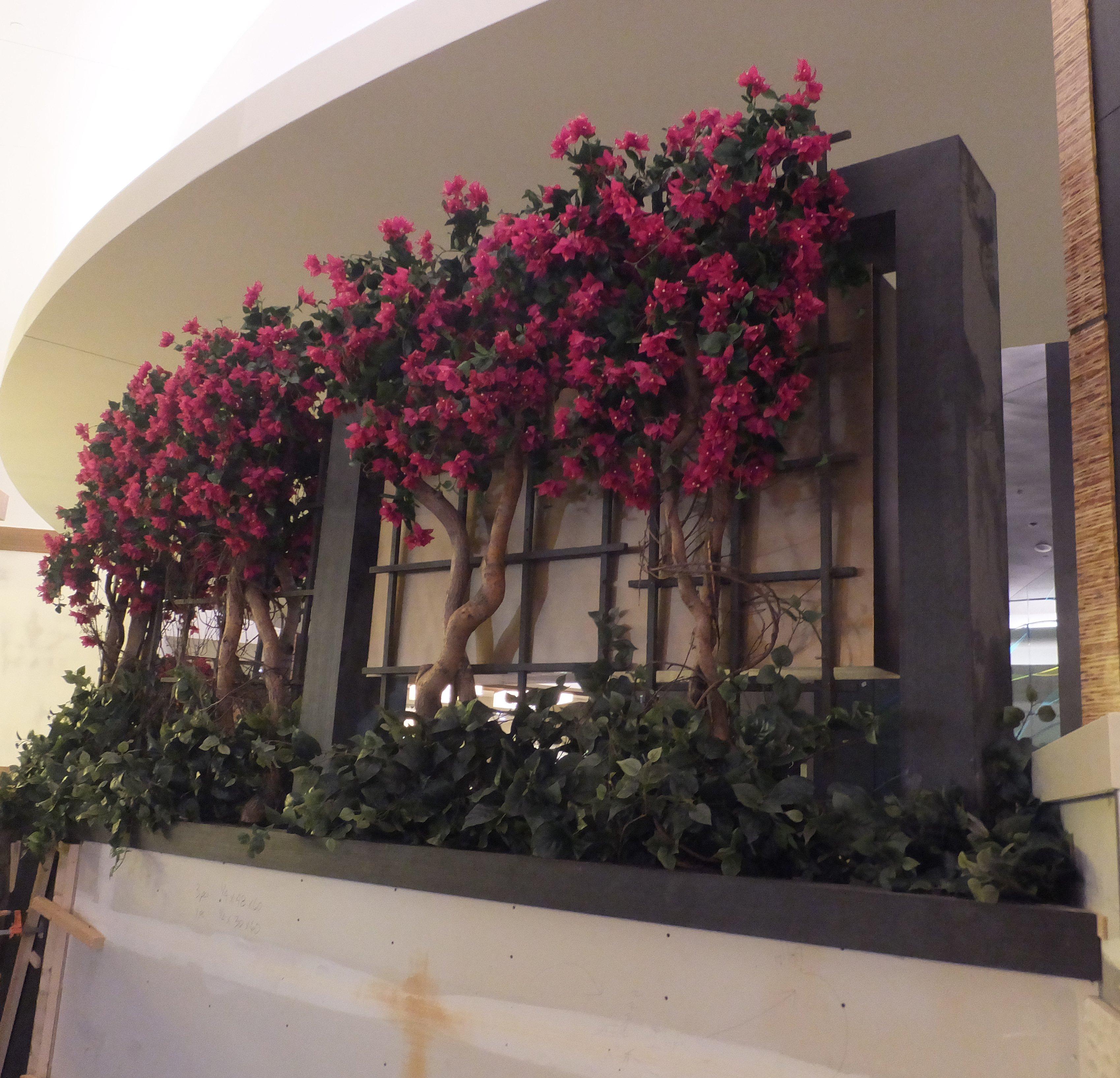 HAWAIIAN GARDENS Casino Tropical Artificial Plants
