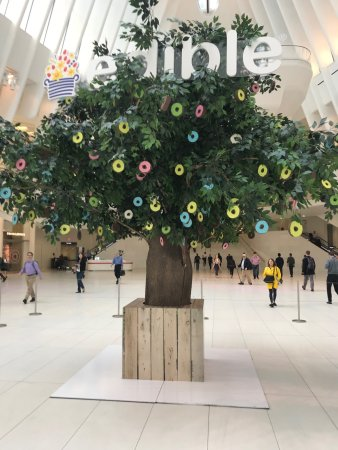 Large-scale artificial tree