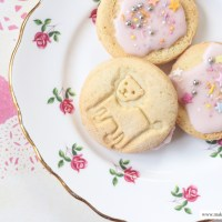 Recipe // Dairy and Soya Free Iced Biscuits