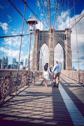Brooklyn_Bridge_engagement_photo_03