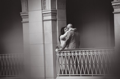 engagement_photos_Hartford_city_hall2