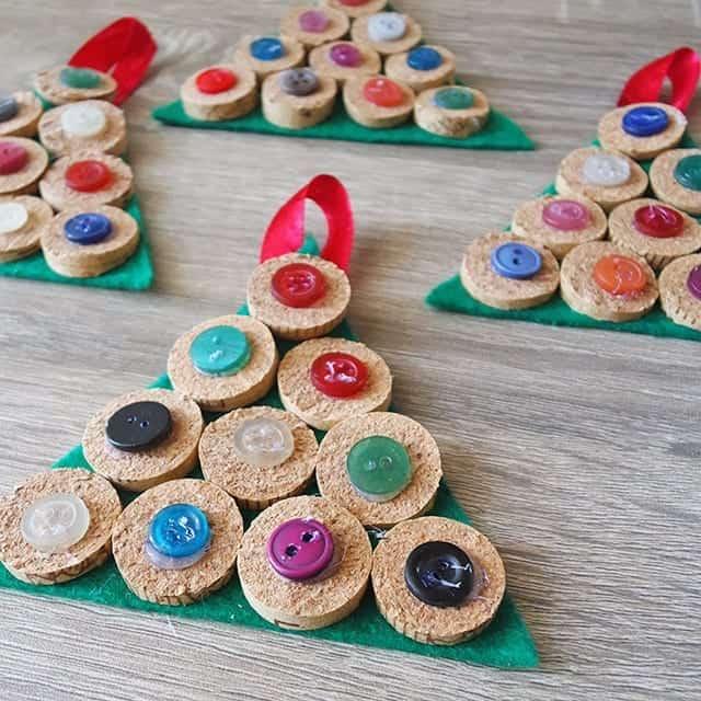 DIY Cork Ornaments - Εναλλακτικά Χριστουγεννιάτικα στολίδια από φελλό