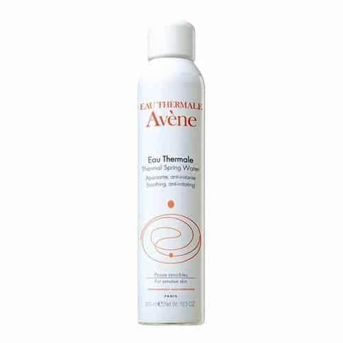 eau thermale spray avene - Ποια είναι τα 7 απαραίτητα καλλυντικά στις διακοπές μας;