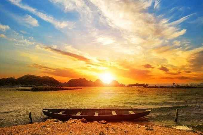 Ηλιοβασίλεμα Βαρκούλα Θάλασσα