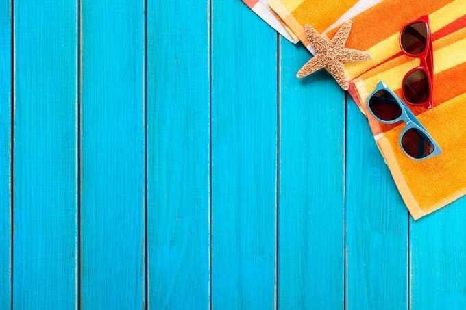 Φόντο Γαλάζιο με είδη παραλίας