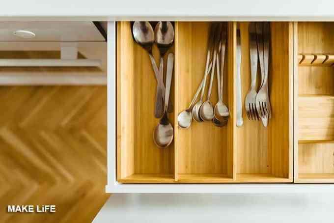 kitchen drawer organize - 7 λάθη που κάνουν την κουζίνα να φαίνεται ακατάστατη