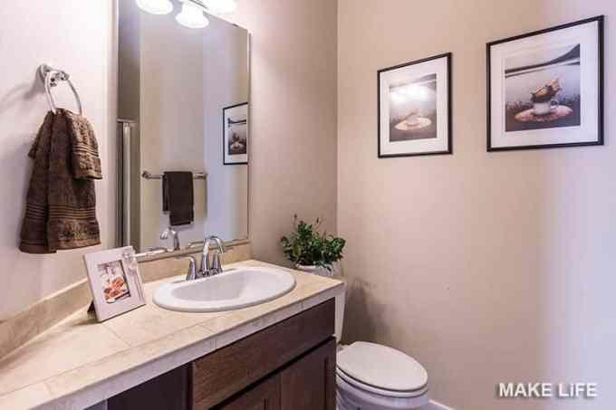 SMALL BATHROOM DECORATING IDEAS - 7 ιδέες για την ανανέωση του μπάνιου με ελάχιστα χρήματα