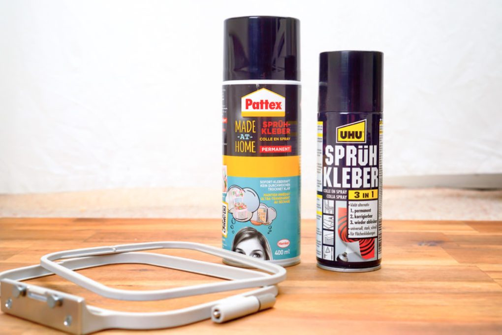 Fixation of the fabric for embroidery with spray adhesive