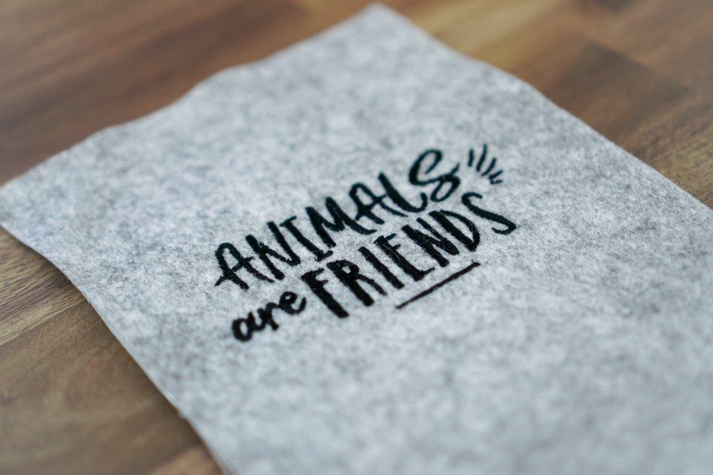 Stickdatei »Animals are Friends« für Tierfreunde