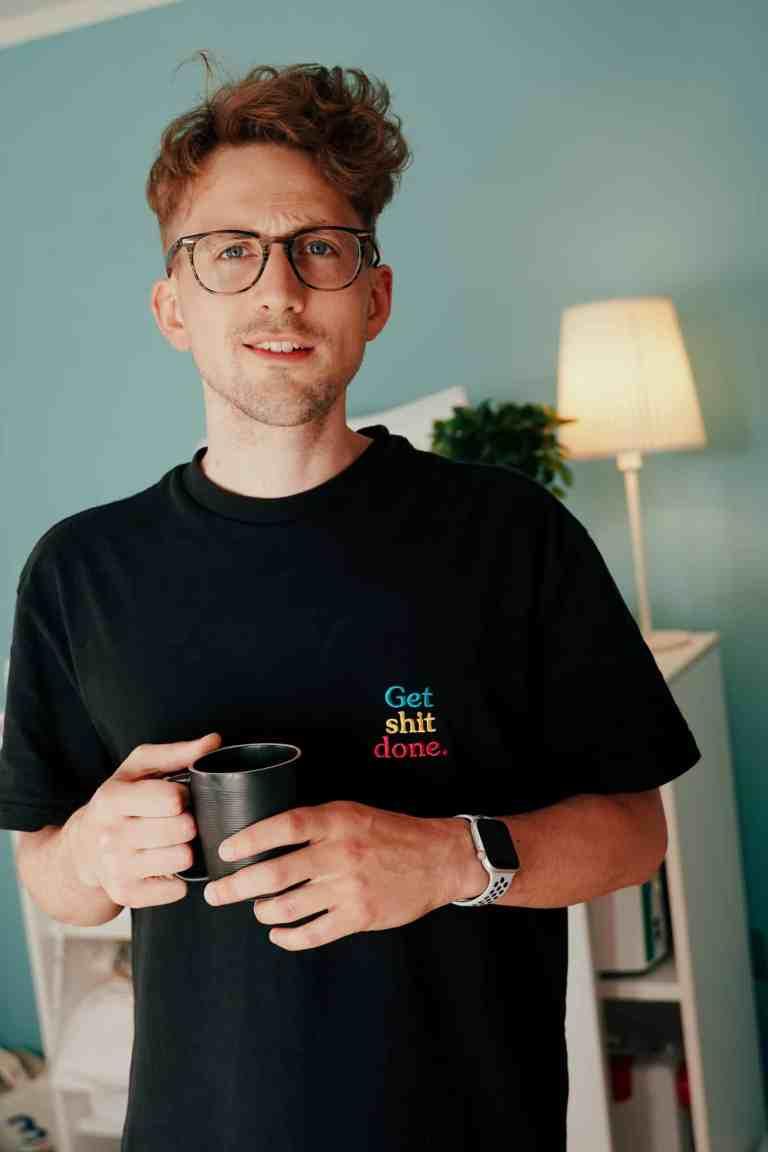 T-Shirt besticken mit Spruch »Get shit done.«