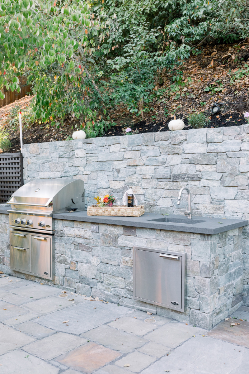 Outdoor Kitchen DCS Grill