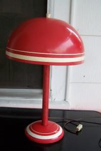 http://cgi.ebay.com/WOW-VINTAGE-RETRO-RED-AND-WHITE-METAL-TABLE-LAMP-COOL_W0QQitemZ250448205000QQcmdZViewItemQQptZLH_DefaultDomain_0?hash=item3a4fe054c8&_trksid=p3286.c0.m14&_trkparms=65%3A12%7C66%3A2%7C39%3A1%7C72%3A1205%7C240%3A1318%7C301%3A0%7C293%3A1%7C294%3A50