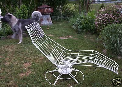 http://cgi.ebay.com/Vintage-mod-lounge-chair-garden-eames-modern-chaise_W0QQitemZ220426413078QQcmdZViewItemQQptZLH_DefaultDomain_0?hash=item3352702416&_trksid=p3286.c0.m14&_trkparms=65%3A12%7C66%3A2%7C39%3A1%7C72%3A1205%7C240%3A1318%7C301%3A0%7C293%3A1%7C294%3A50#ebayphotohosting